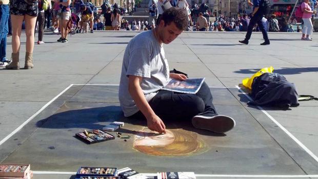 Disegnarsi la vita, coi gessetti da madonnaro