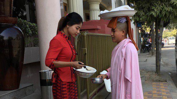 Monaci e monasteri in Myanmar