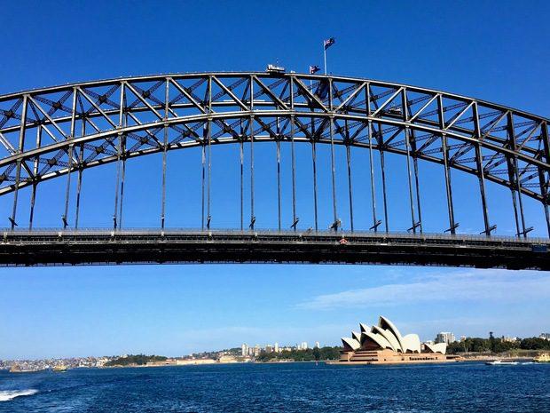 L'Opera House di Sydney vista dal mare